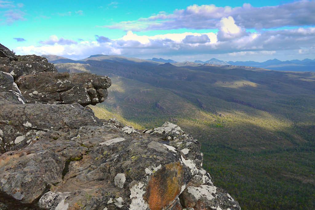 Grandioser Ausblick vom Reed Lookout auf dem Weg zu den Balconies - Grampians Nationalpark Highlights - Victoria - Australien