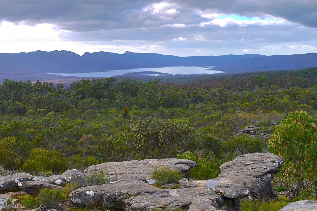 Ausblick vom Reeds Lookout - Auf dem Weg zu den Balconies im Grampians National Park - Victoria - Australien