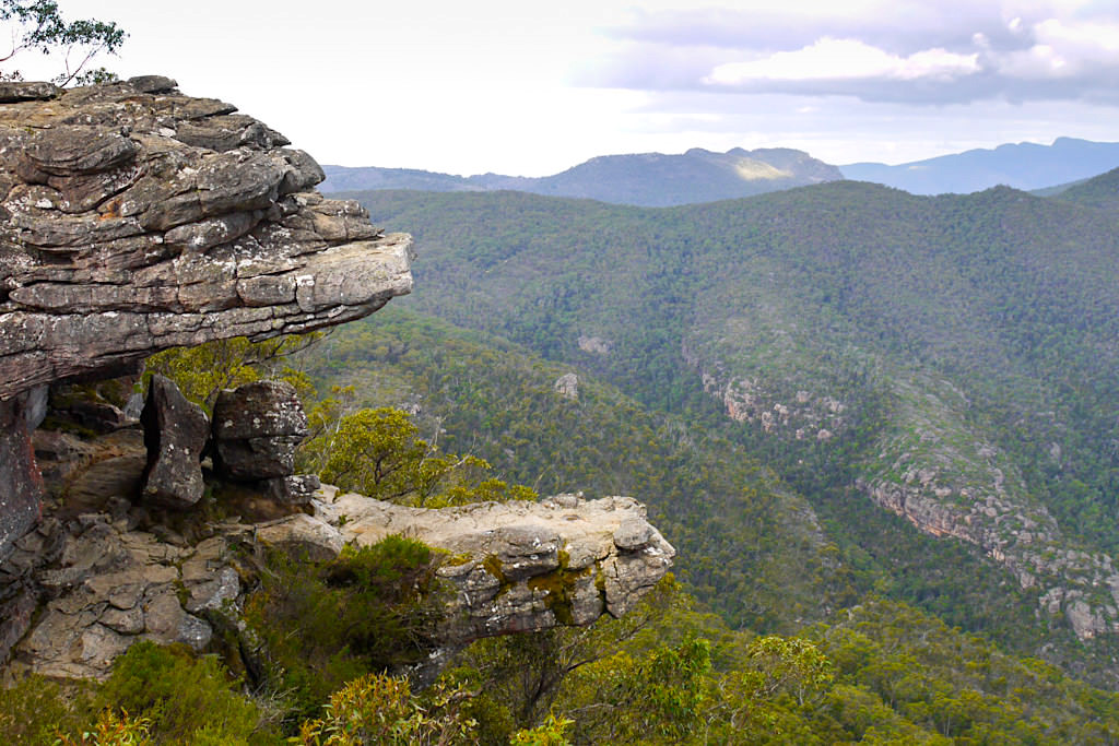 The Balconies oder Mouth of Death bieten grandiose Ausblicke auf Victoria Valley - Grampians National Park Highlight - Victoria - Australien