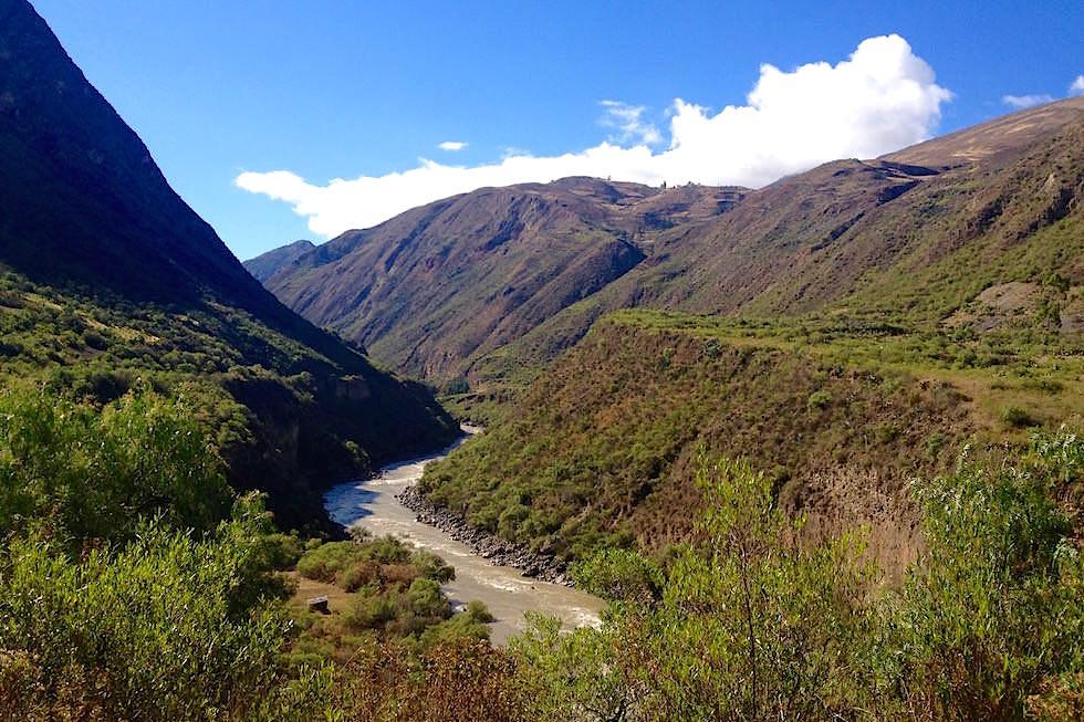 Berge und Täler - mit dem El Tren Macho von Huancayo nach Hunacavelica - Peru