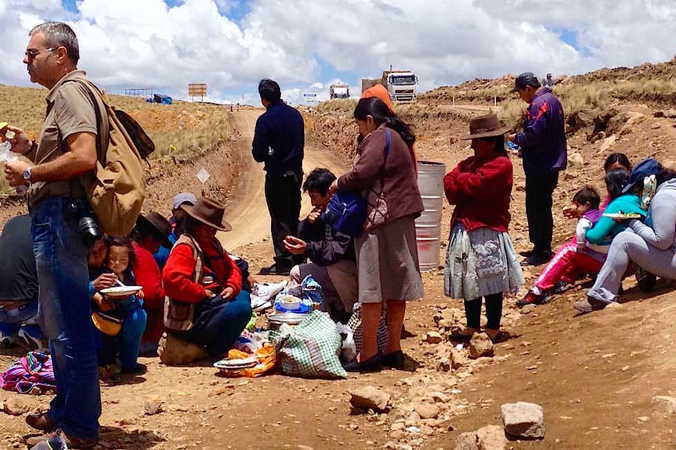 Picknick - Busstop - Passhöhe - Peru
