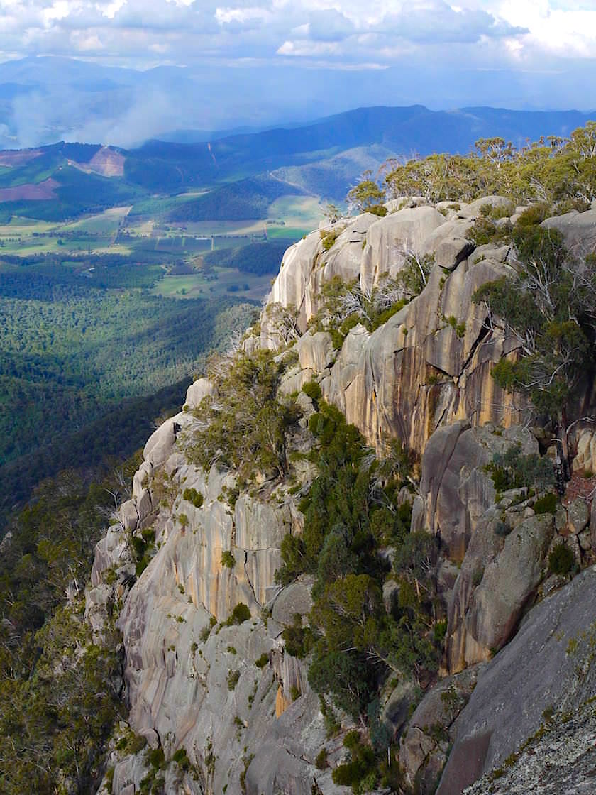 Atemberaubender Ausblick vom Bents Lookout - Mt Buffalo - Victorian Alps - Victoria