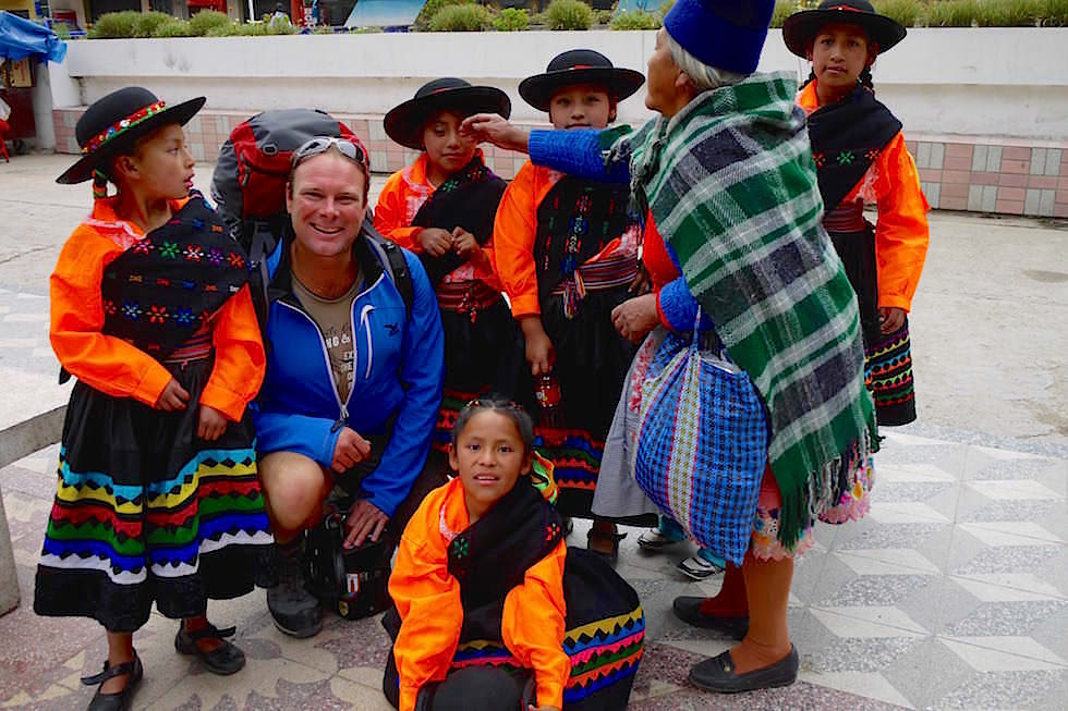 Kinder in bunter Tracht - San Mateo - Peru