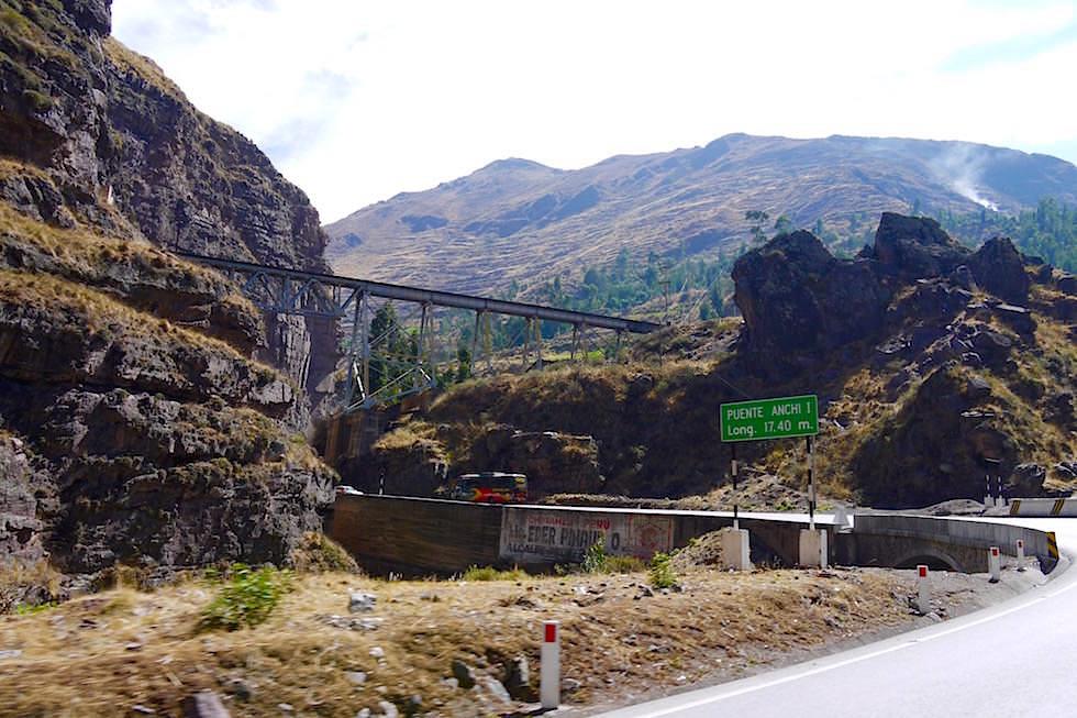 Eisenbahnbrücke bei San Mateo - Peru