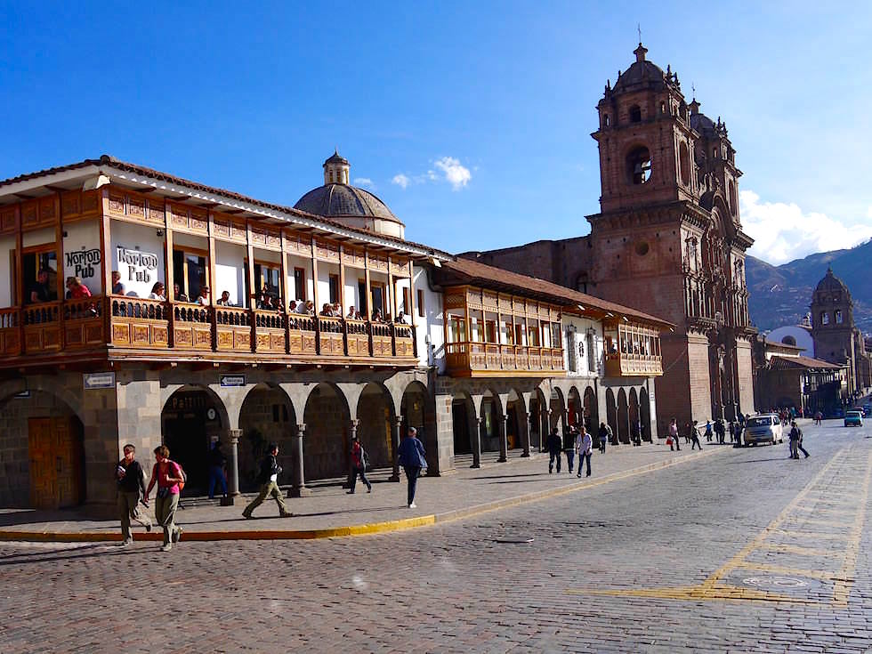 Norton Bar Plaza de Armas Cusco Peru