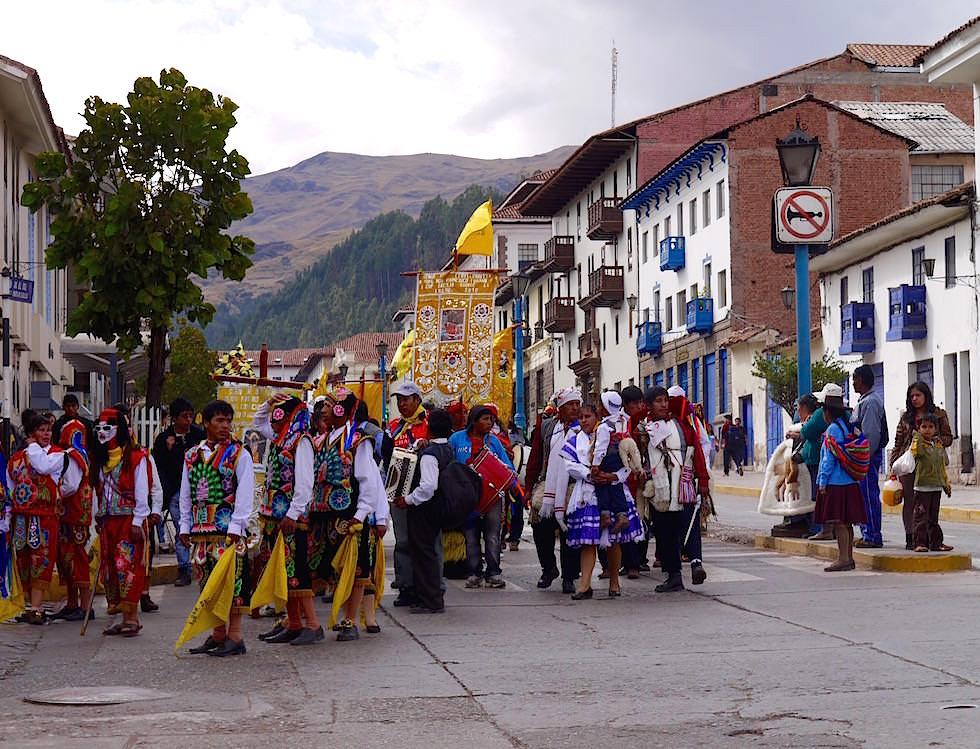Karneval - Avenida el Sol - Cusco Peru