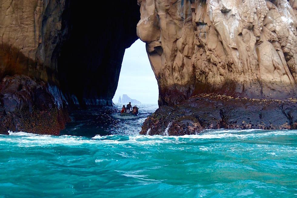Wasserrutsche durch Felskanal - Galapagos San Cristobal