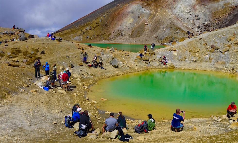 Ein idealer Ort für ein Päuschen: Emerald Lakes - Tongariro Alpine Crossing - Neuseeland Nordinsel