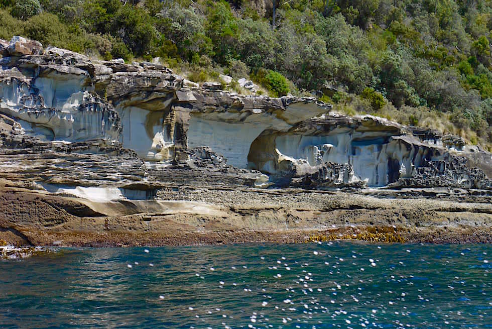Tolle Felsformationen - Bruny Island Cruise - Tasmanien
