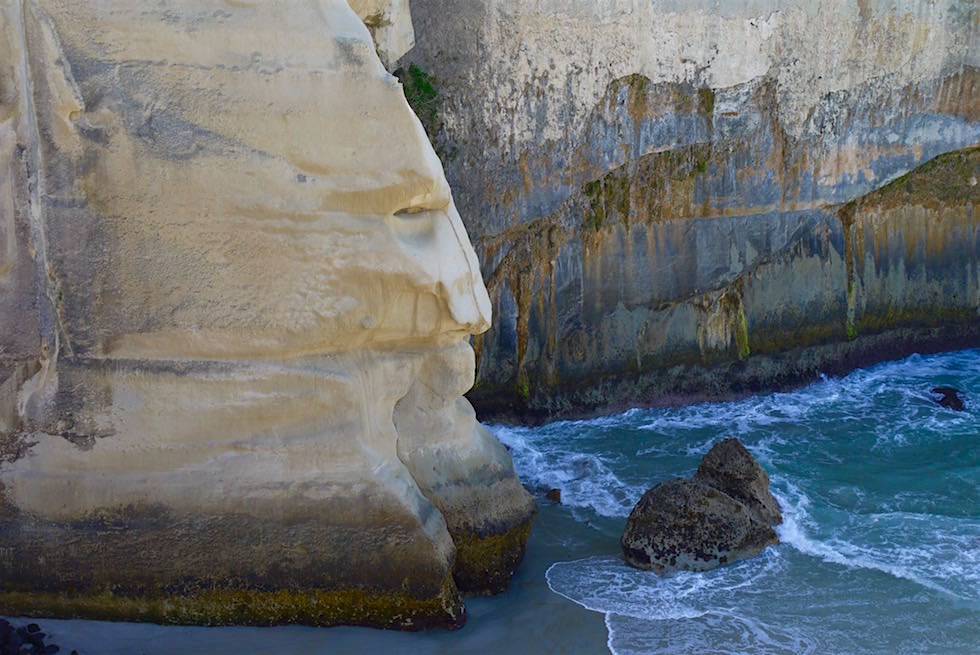 Blick hinunter zum Tunnel Beach bei Dunedin - Neuseeland Südinsel