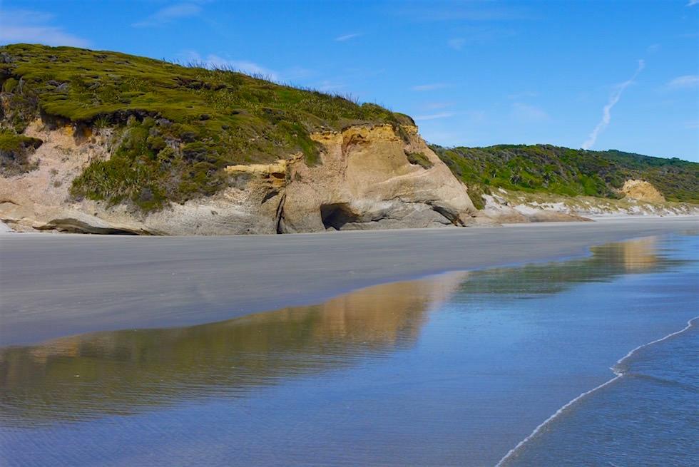 Spiegelnde Felsen - Wharariki Beach - Neuseeland Südinsel