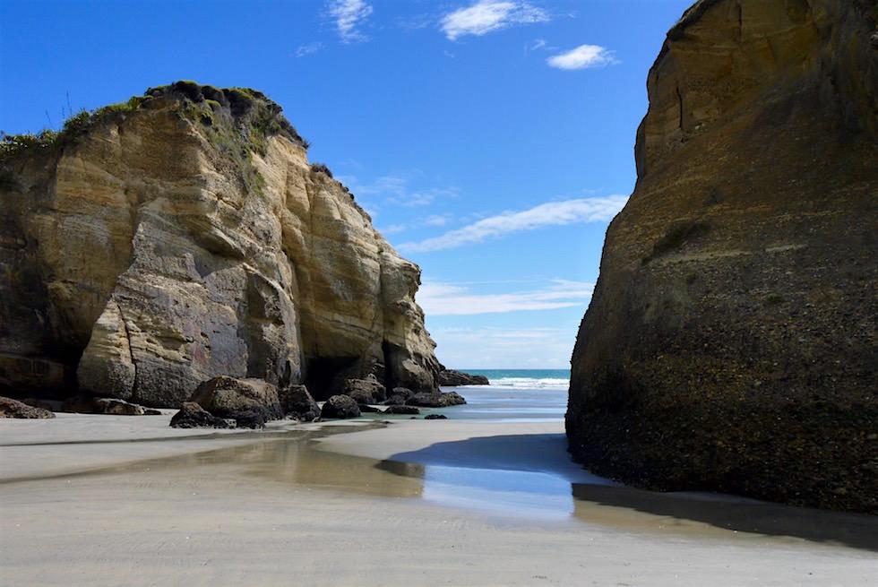 Sand Wasser Felsen - Wharariki Beach - Neuseeland Südinsel