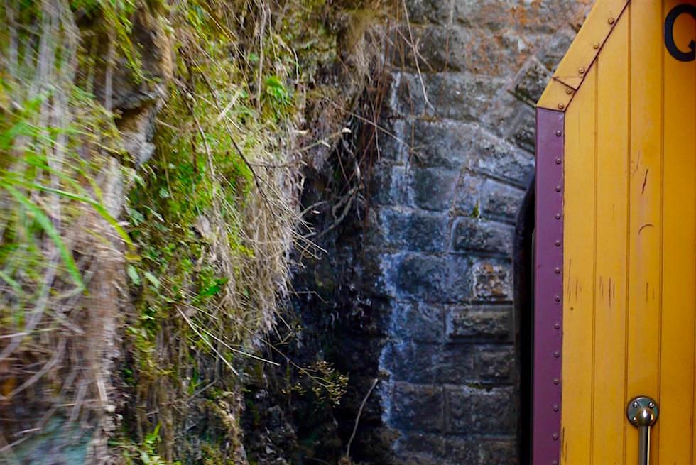 Enge Tunnel auf der Taieri Gorge Railway Tour - Neuseeland Südinsel