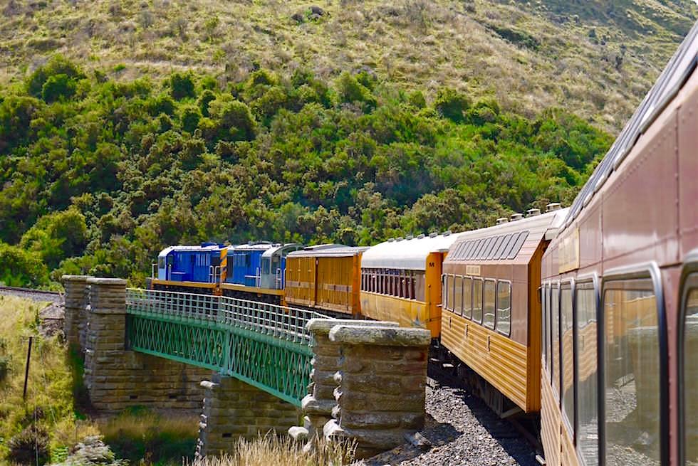 Brücke beim Christmas Creek - Taieri Gorge Railway Route - Neuseeland Südinsel
