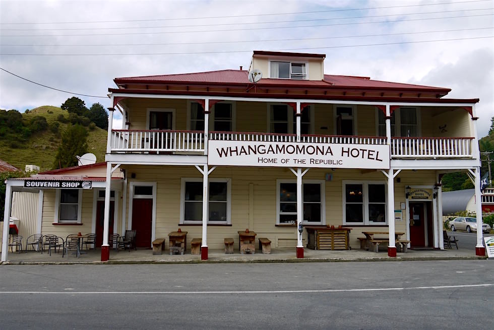 Whangamomona Hotel & Bar - Forgotten World Highway - Neuseeland Nordinsel