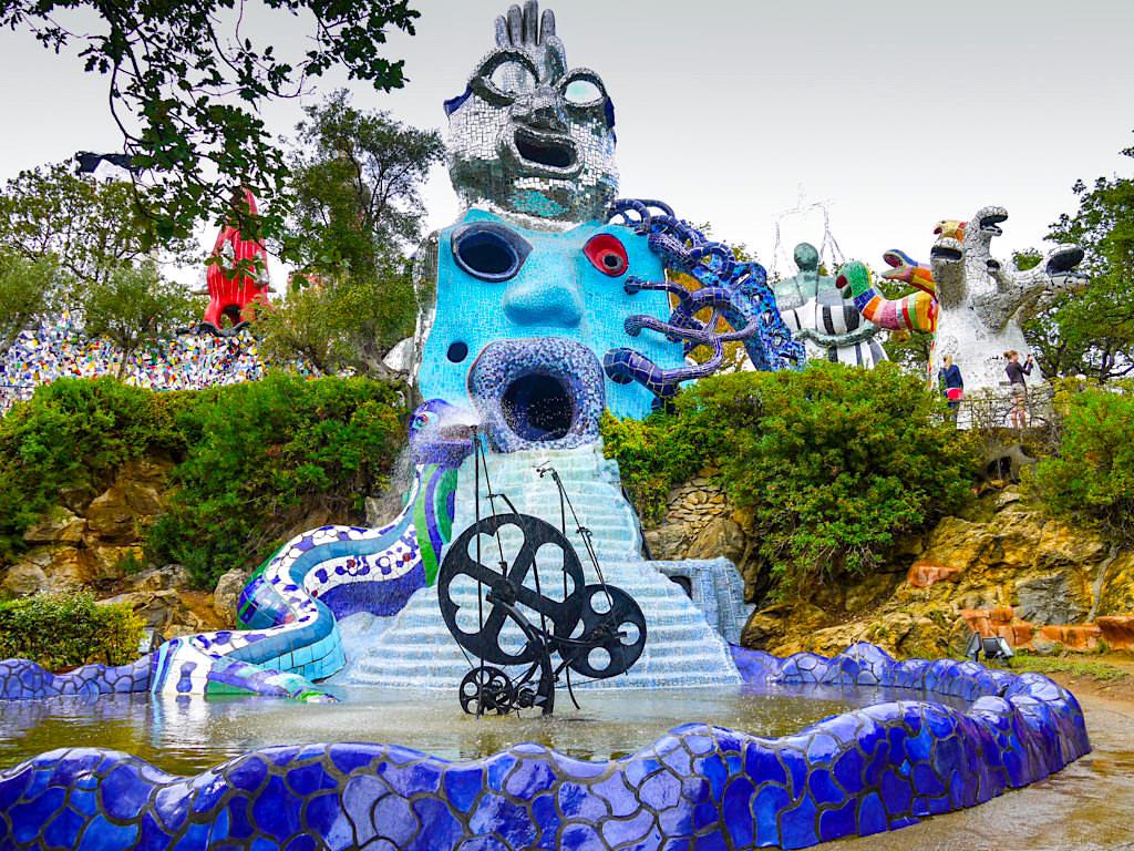 Tarot Garten von Niki de Saint Phalle - Hohepriesterin, Magier & das Rad des Schicksals - Toskana, Italien