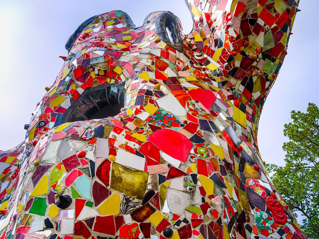 Tarot Garten von Niki de Saint Phalle - Der Kaiser oder Herrscher: Karte Nr. 4 der großen Arkana - Toskana, Italien