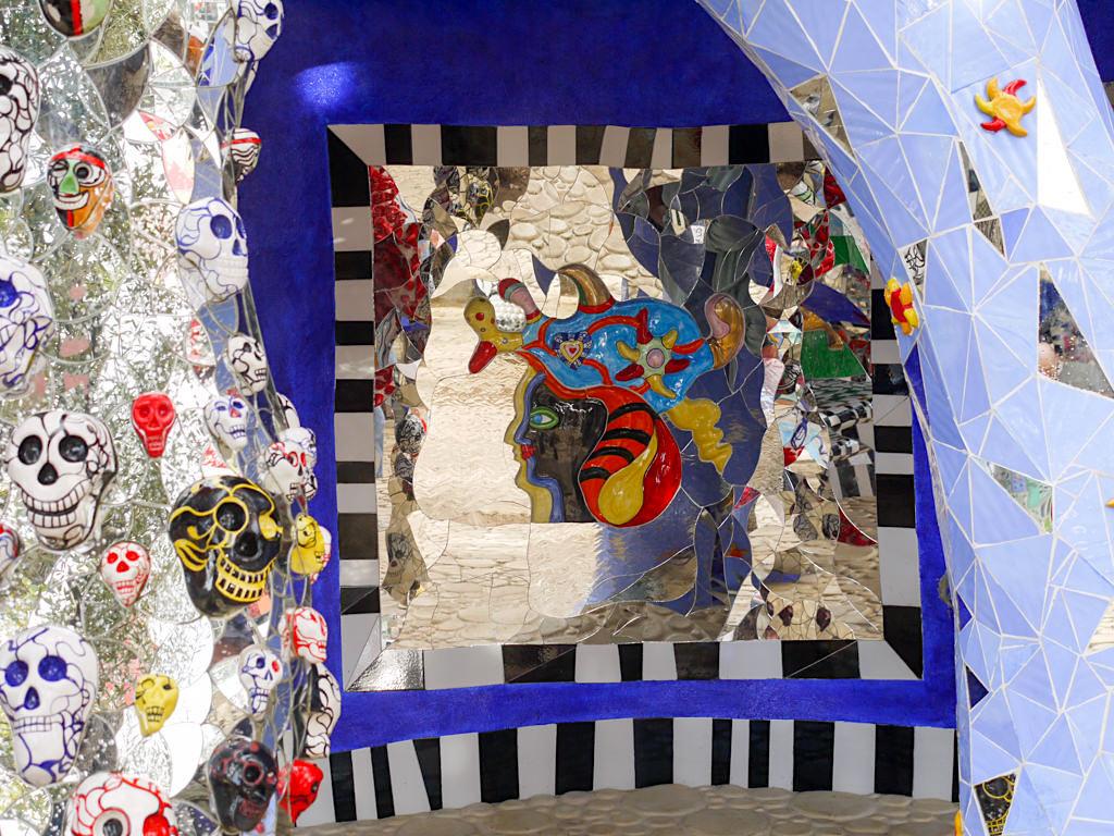 Tarot Garten von Niki de Saint Phalle - Ohne Tod kein Leben - Toskana, Italien