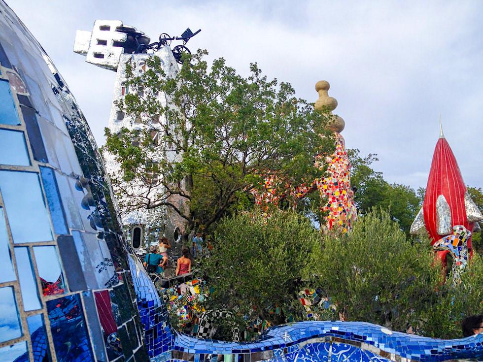 Tarot Garten von Niki de Saint Phalle - Blick auf Turm & Kaiser - Toskana, Italien