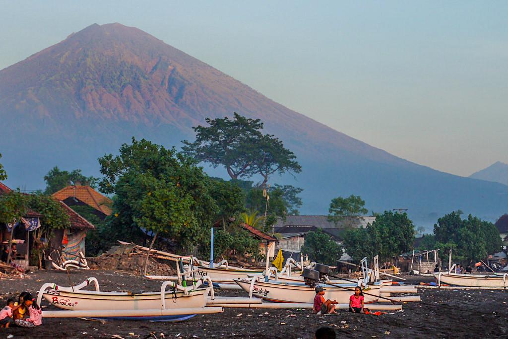 Insider Tipp für Bali: Amed mit Mt Agung als Kulisse - Indonesien