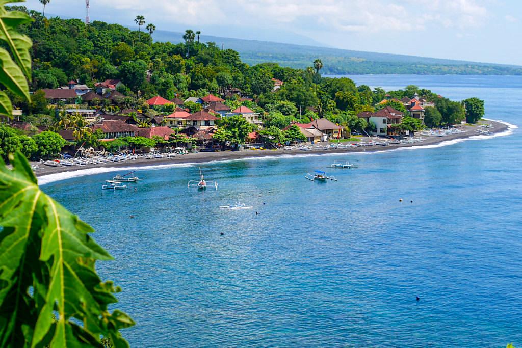 Schöner Jemeluk Beach - Ein Highlight von Amed Bali - Indonesien