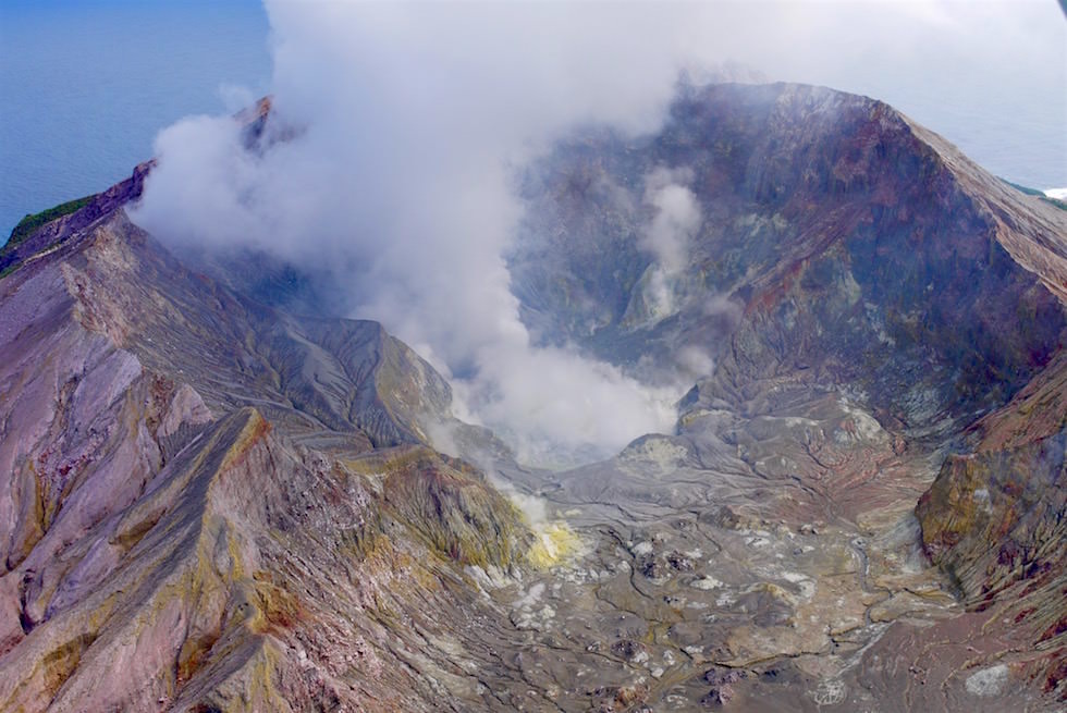 Grandioser Blick ins Innere des White Island Kraters - White Island Flights -Neuseeland, Nordinsel