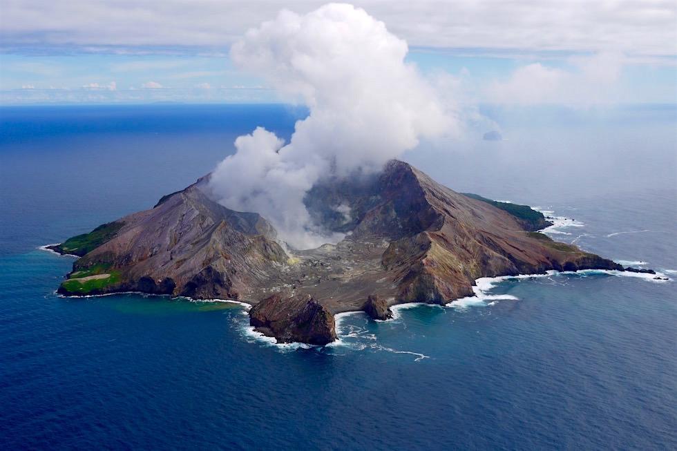 Stunning Views with White Island Flights - New Zealand North Island