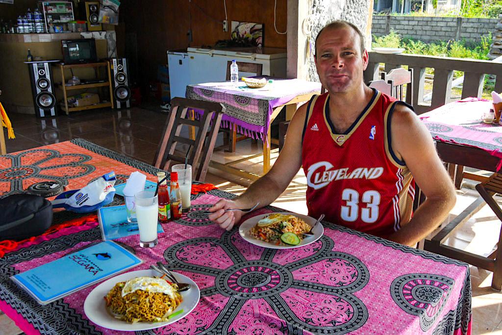 Empfehlung Warung Segara: schmeckt lecker, günstige Preise, freundlicher Service - Amed Beach Bali - Indonesien