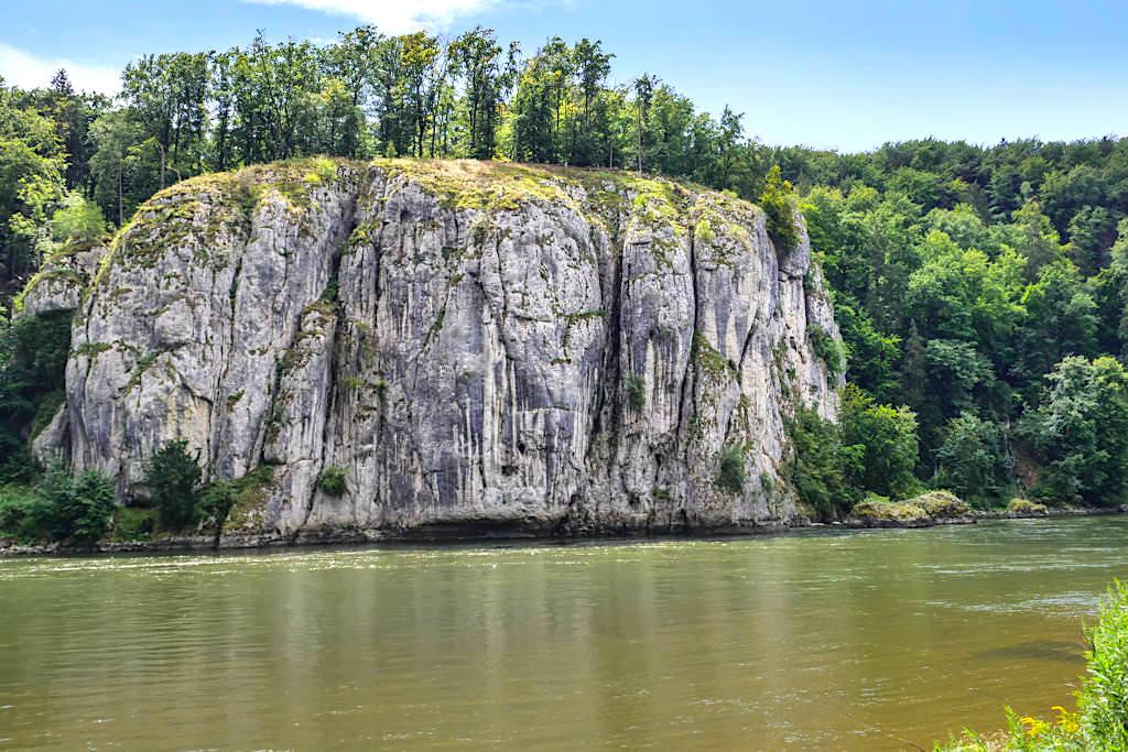 Faszinierende Felsformationen im Donaudruchbruchstal auf der Wanderung zum Kloster Weltenburg - Weltenburger Enge - Altmühltal, Bayern