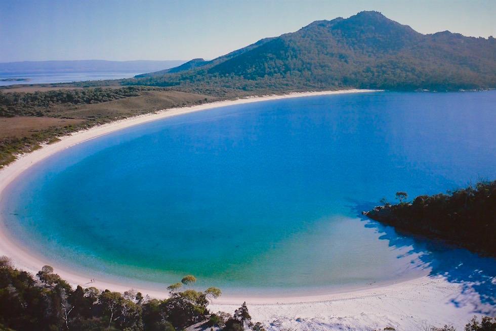 Wineglass Bay von oben - Tasmanien