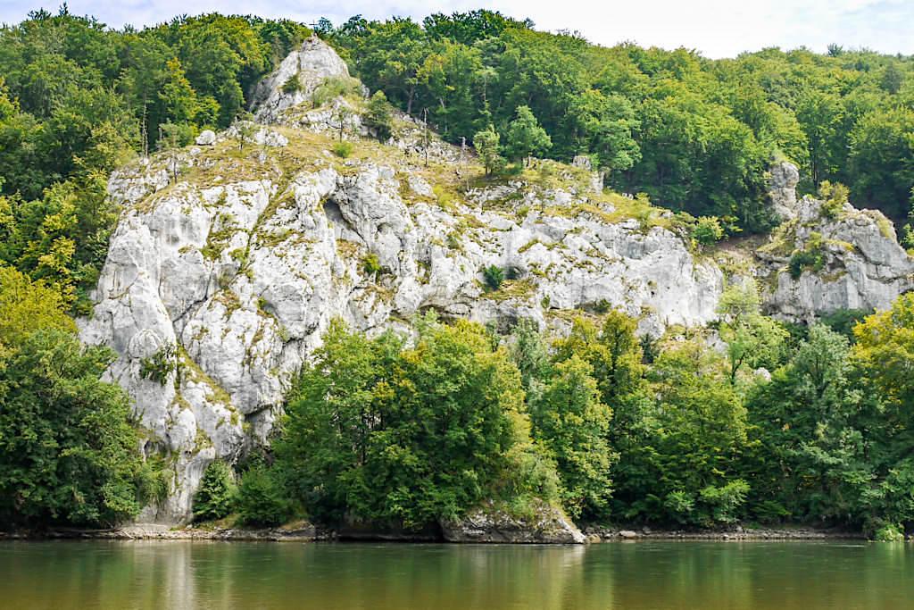 Atemberaubender Ausblick vom Wieserkreuz auf die Donauauen - Wanderung zum Donaudurchbruch & Kloster Weltenburg - Altmühltal, Bayern