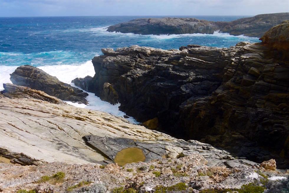 Kleiner Spaziergang zur Flinder's Crevasse - Whalers Way - South Australia, Südspitze Eyre Pensinsula