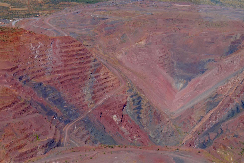 Synphonie in Pink - Pink Diamonds - Argyle Diamond Mine - Kimberley - Western Australia