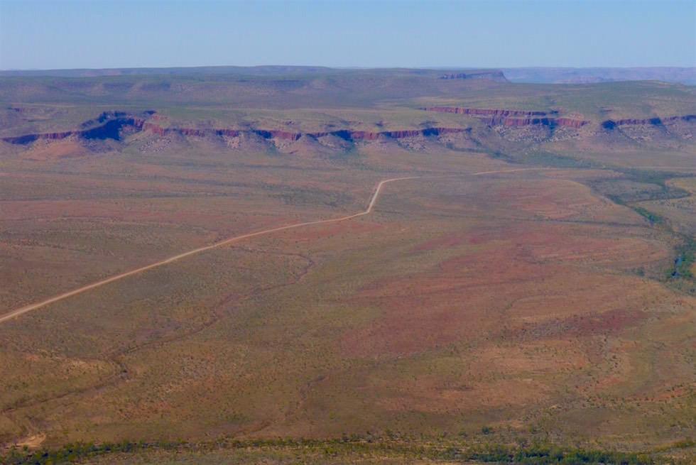 Cockburn Ranges von weitem - Scenic Flight - Kimberley - Western Australia