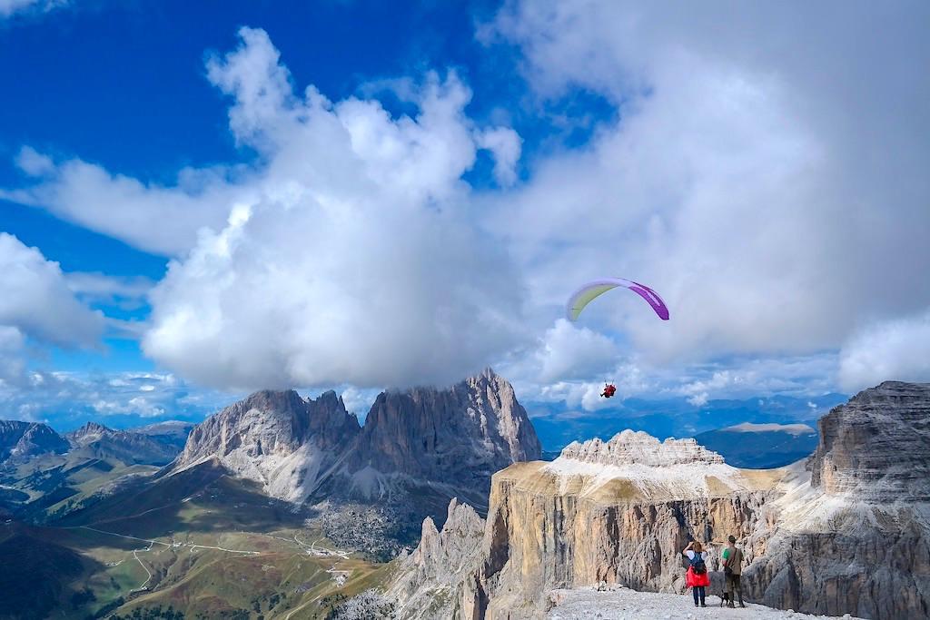 Bergwelt der Sellagruppe & Dolomiten mit Langkofel und Plattkofel - Südtirol
