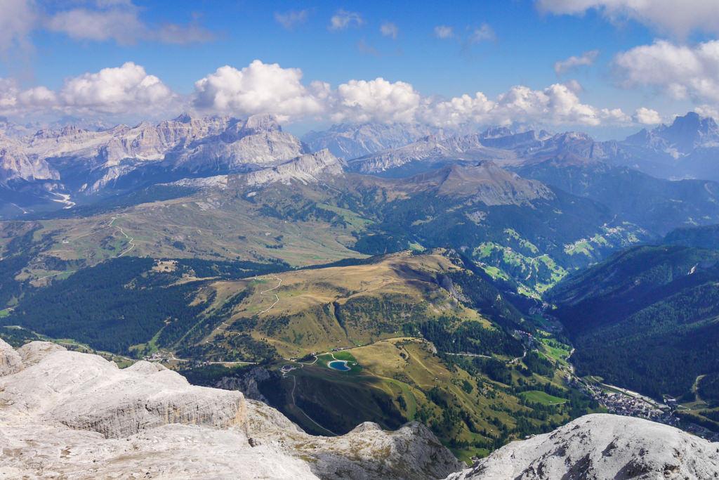 Atemberaubend schöne Gipfelausblicke & Alpen-Panoramen vom Piz Boe dem höchsten Berg der Sella-Gruppe -Dolomiten, Südtirol