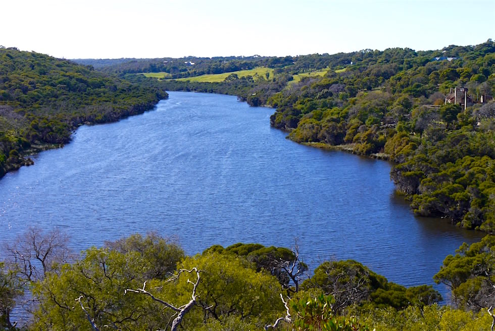 Blick über Margret River - Bushtucker Cave & Canoe Tour - Western Australia