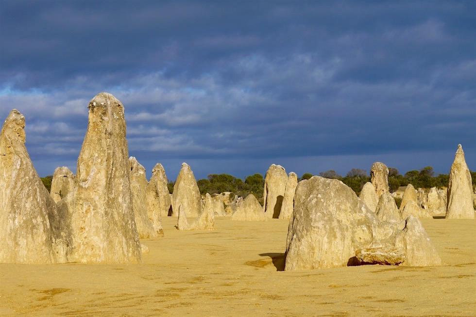 Wolkenstimmung - Pinnacles Desert - Western Australia