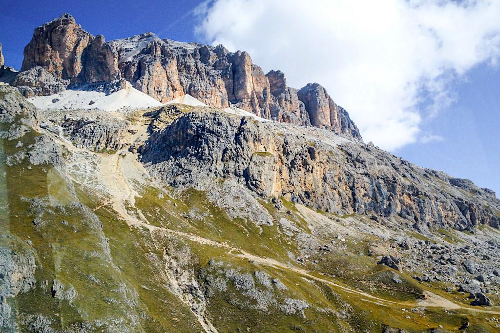 Pordoischarte von der Seilbahn aus gesehen - Leichte Wanderung zum Piz Boe - Sellagruppe - Dolomiten