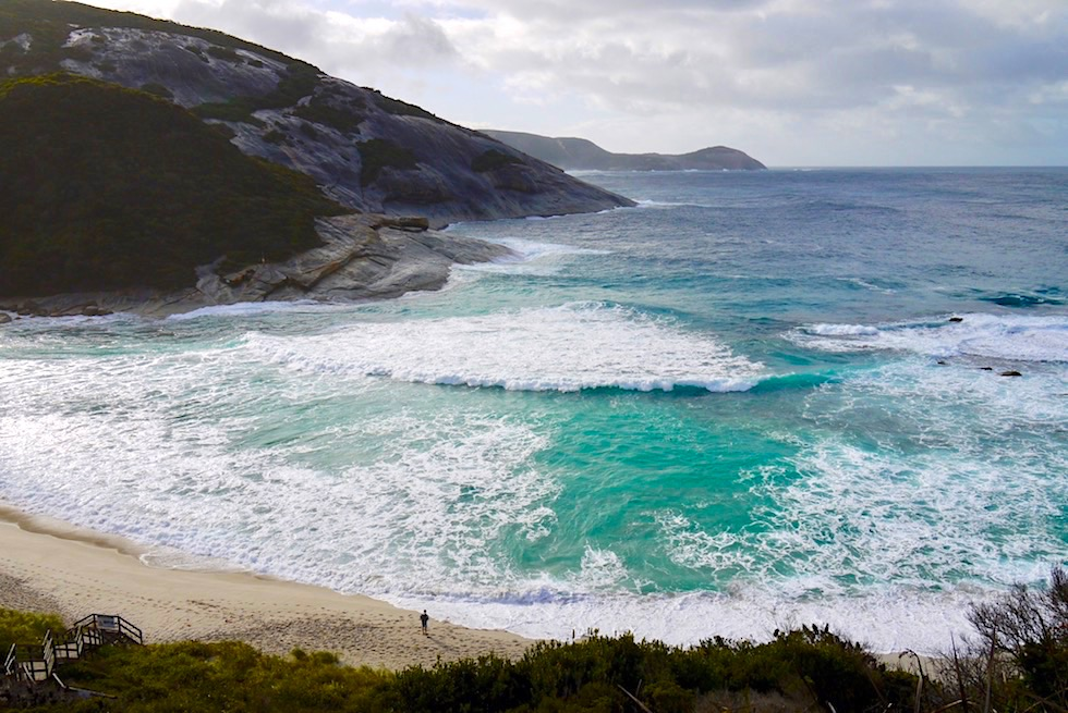 Blick hinab auf Salmon Holes - Torndirrup National Parks - Rainbow Coast Highlights - Western Australia