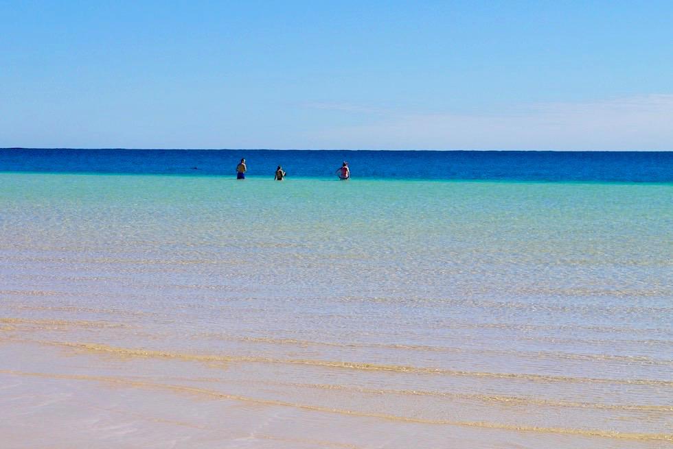 Gesichter von Bill's Bay - Hauptstrand Coral Bay bei einsetzender Flut - Western Australia