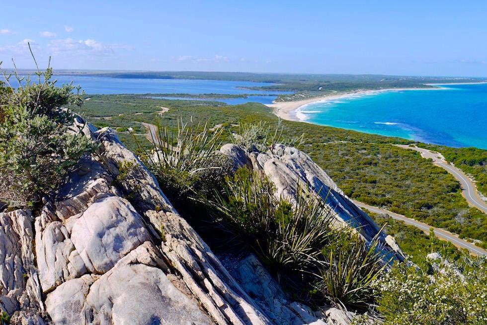 Grandioser Ausblick vom Barren Lookout auf Meer & See - Fitzgerald River National Park - Western Australia