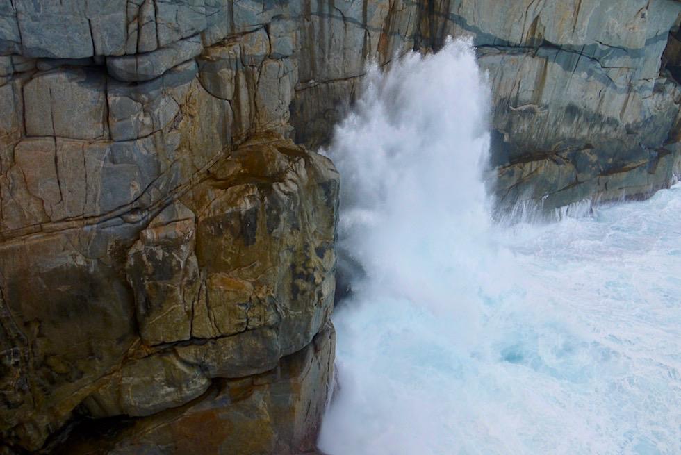 Wasserfontäne - The Gap - Torndirrup National Park - Rainbow Coast Highlights bei Albany - Western Australia