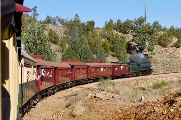 Pichi Richi Railway erklimmt den Pass - South Australia