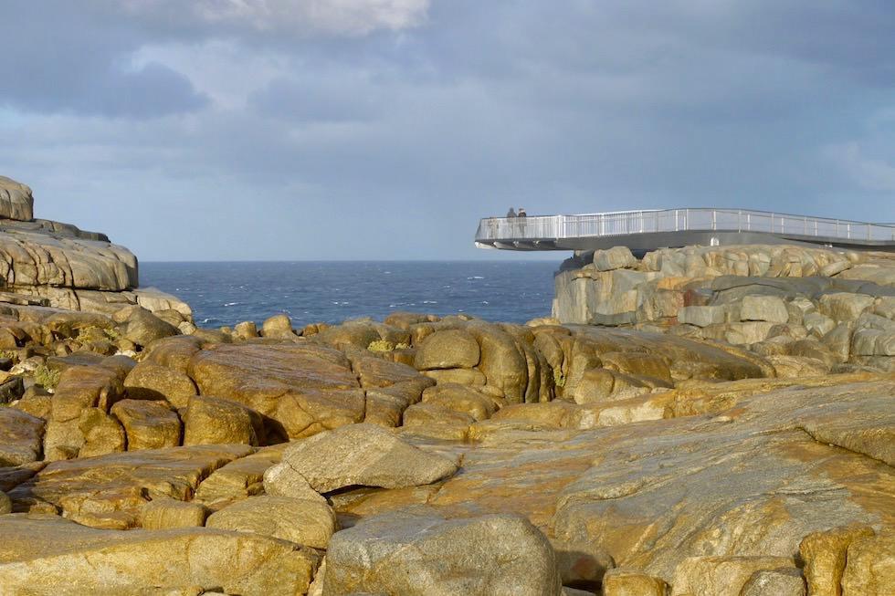 Freischwebende Aussichts-Plattform The Gap im Torndirrup National Park bei Albany ist eines der Rainbow Coast Highlights - Western Australia