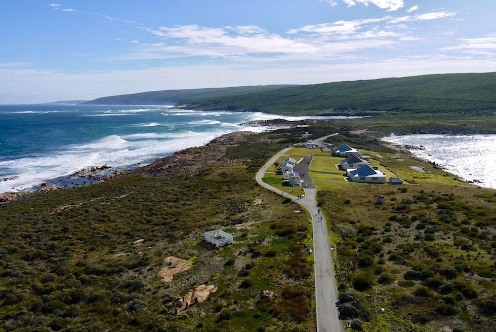 Blick vom Leuchtturm zurück zum Festland - Cape Leeuwin Lighthouse bei Augusta - Western Australia