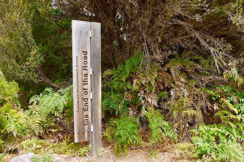 """Straßenschild """"Australias Southern Most Street"""" oder das Südliche Ende Australiens - Cockle Creek - Tasmanien"""