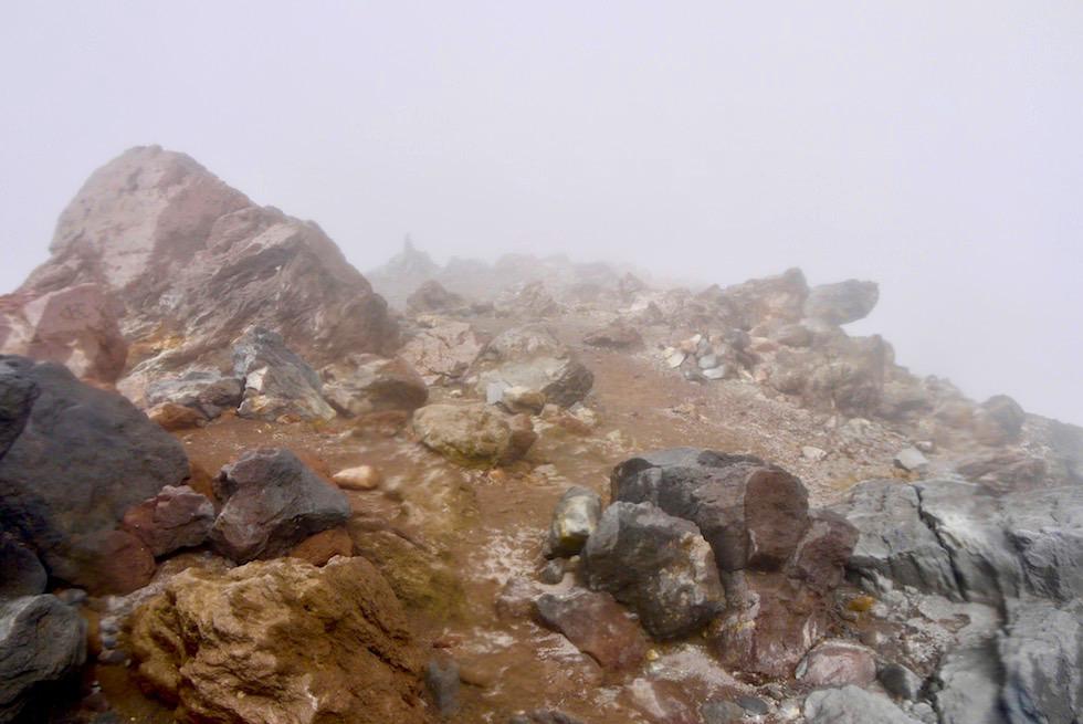 Ein Funken Hoffnung: Bruchteil Sonne - Mt Taranaki Gipfel - Nordinsel Neuseeland
