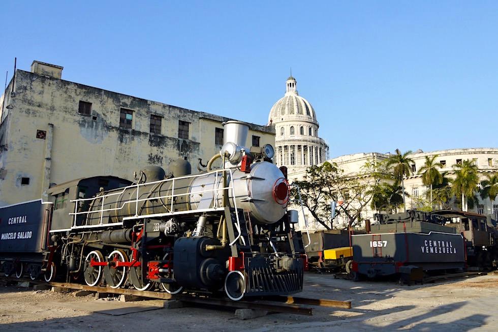 Curios: Inmitten von Habana befindet sich ein Eisenbahnfriedhof - Havanna - Kuba