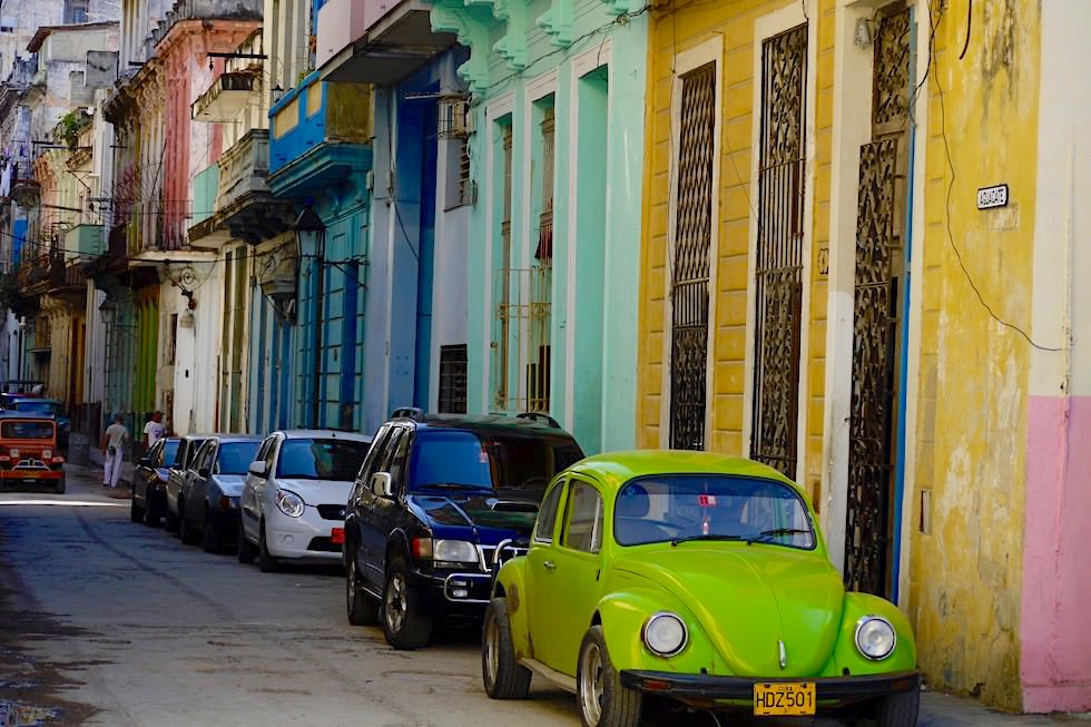Oldtimer werden durch Importautos ersetzt - Havanna - Kuba